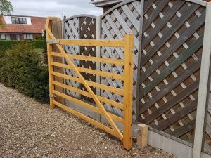 field gate raised helve through mortise and tenon